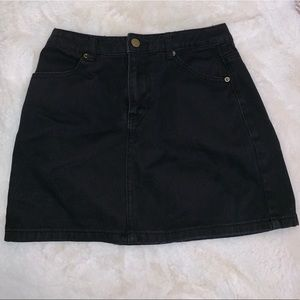 Forever 21 black mini skirt